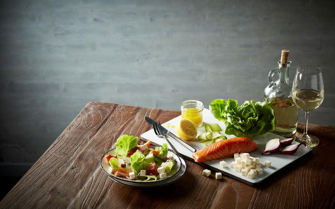 Feta and salmon salad
