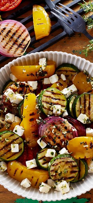 Grilled vegetables with garlic and thyme