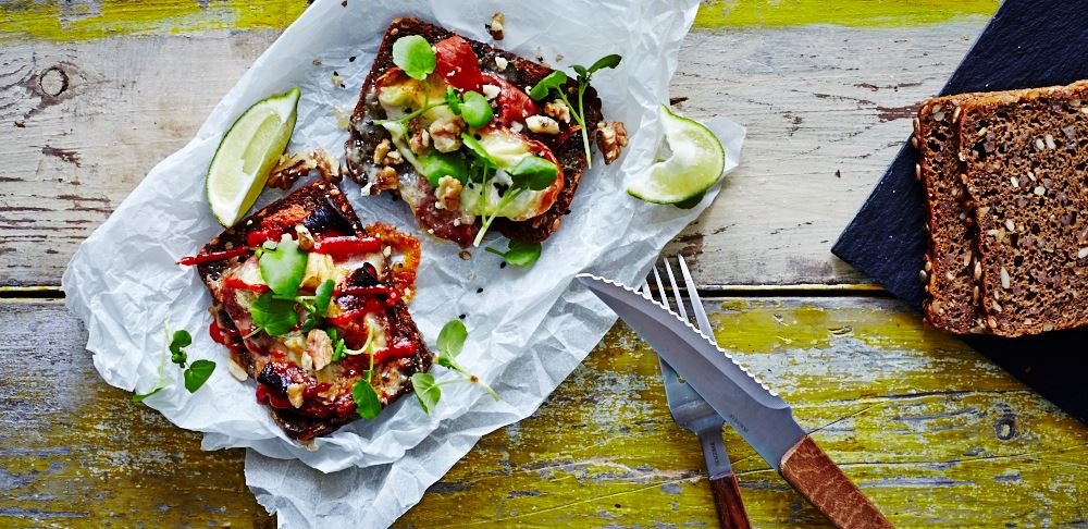 Hot open faced sandwich with chorizo and Creamy White