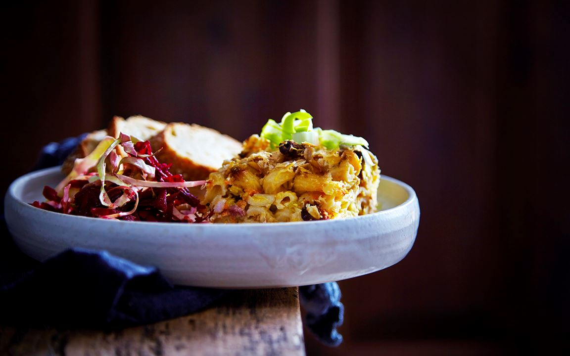 Macaroni Cheese with veggies & bacon