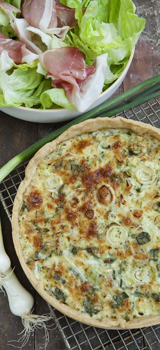 Tart with spring onions