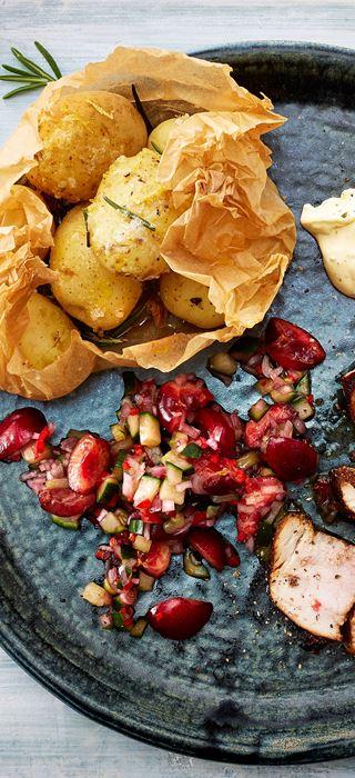 Grillet indrefilet av svin med krydret kirsebærsalsa og røkte poteter
