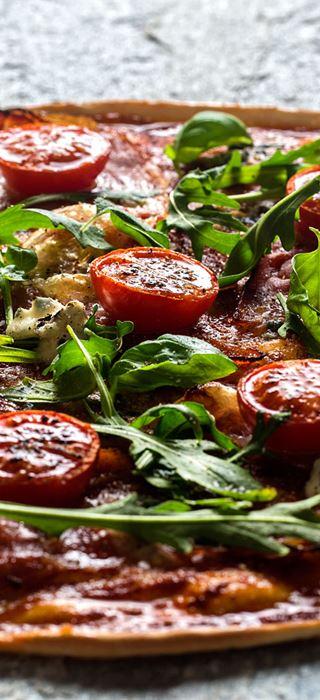 Italiensk pizza med Castello Sort