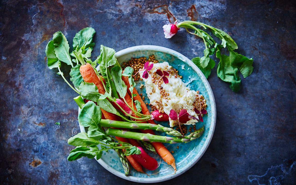 Pisket hvitmuggost med bokhvete og grønnsaker