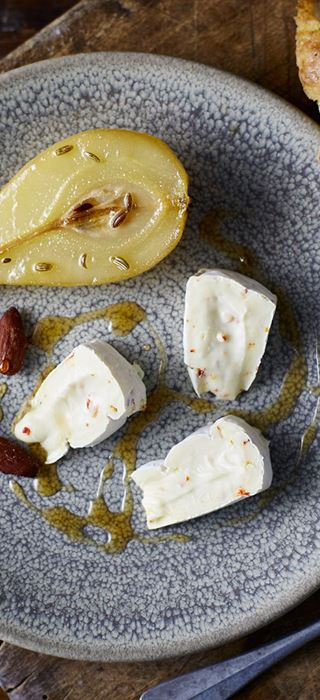 White with Chili og bakte fennikelpærer