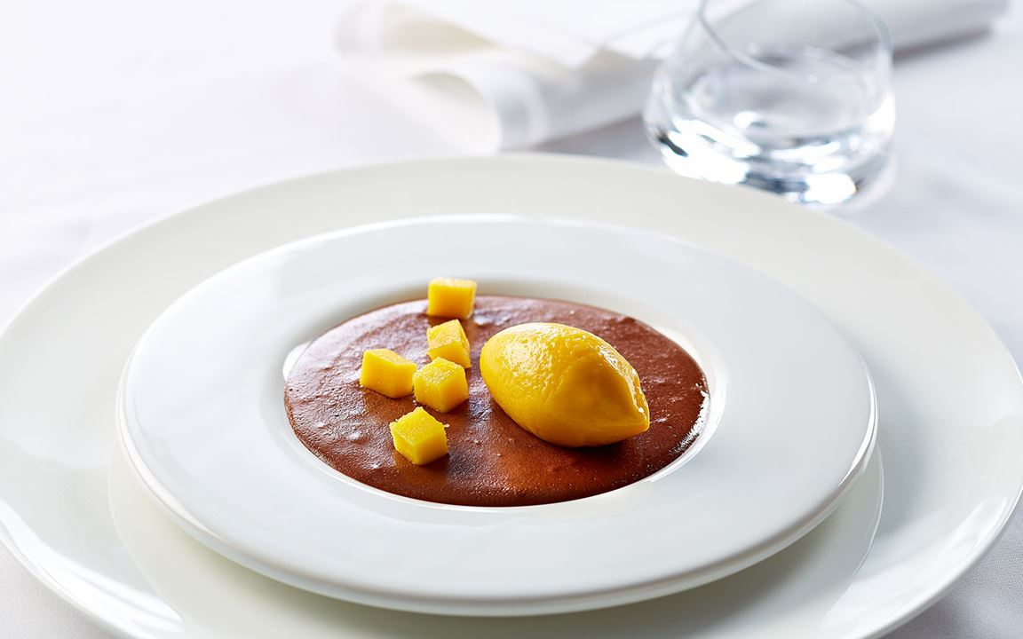 Chocolate mousse with Danish Blue Cheese and mango