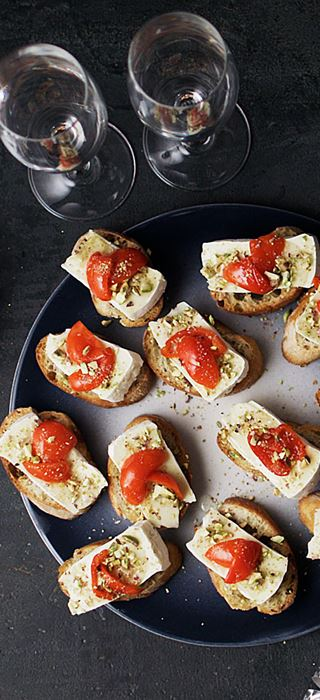 Crostini with Creamy Brie and peppadews