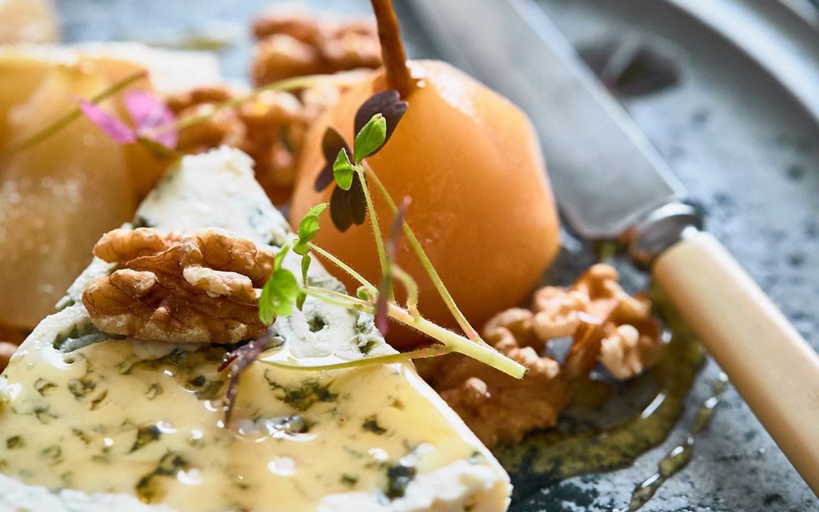 Blue cheese, pickled pears and walnuts