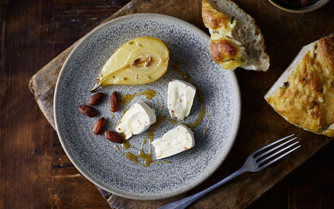 Extra Creamy Brie with Chilli & roasted fennel pears