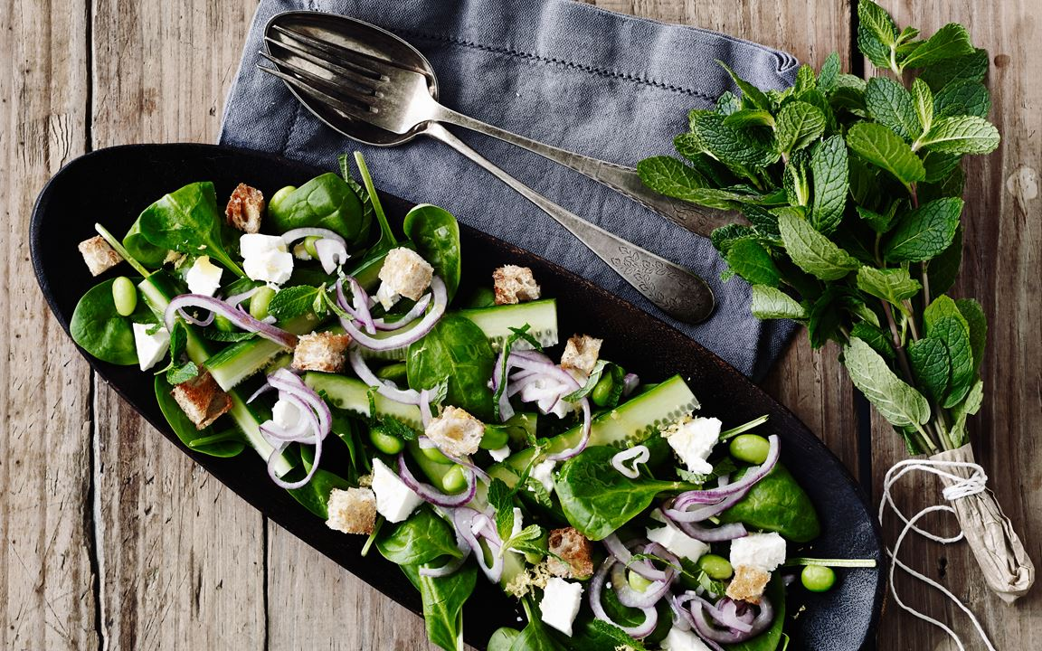 Fresh spinach salad with mint and feta