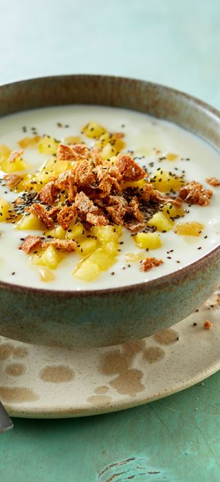 Ginger-spiced pineapple topping for yogurt
