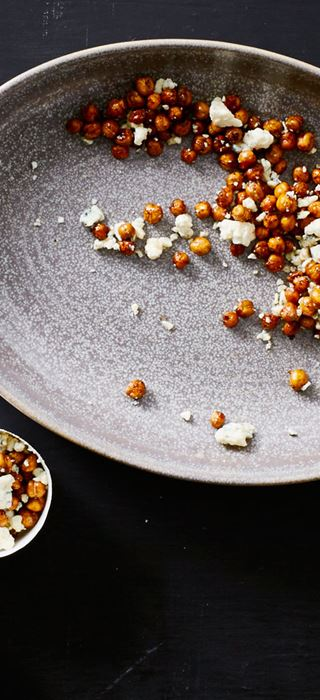 Roasted chickpeas with Traditional Danish Blue and cocoa