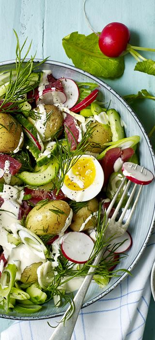 Salad with potatoes, dill and soft-boiled eggs
