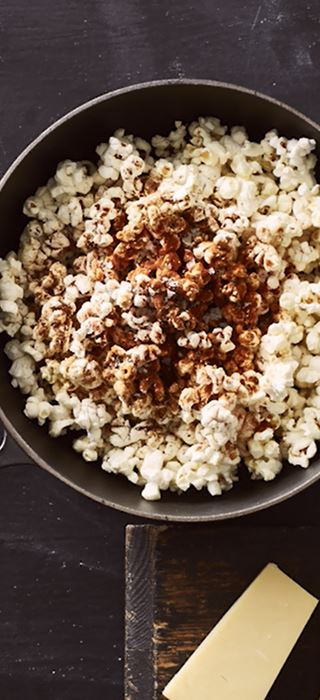 Chili Cheese Popcorn with Grated Cheddar
