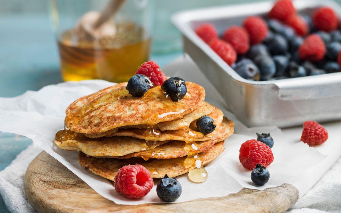Cottage cheese-banana pancakes