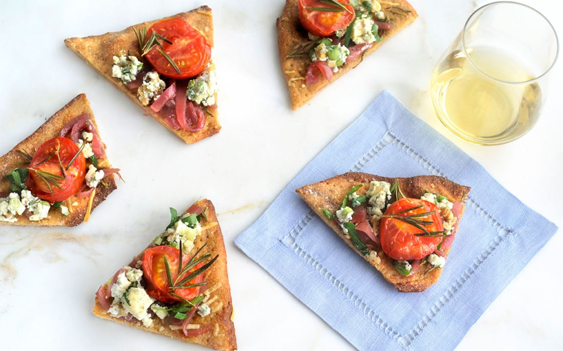 Crispy tomato flatbread with Blue Cheese Crumble