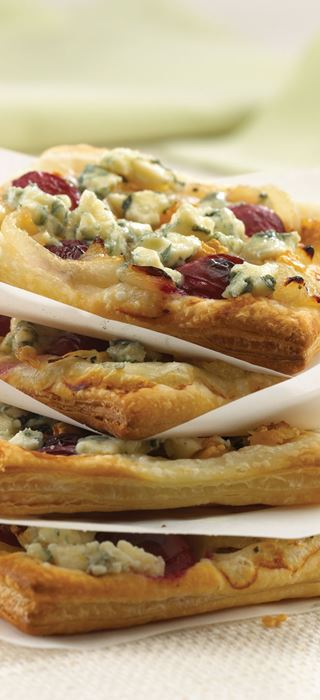 Roasted grape and Blue Cheese Pizza