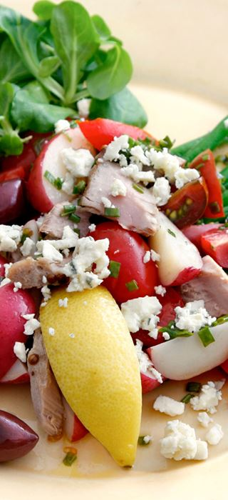 Warm potato salad with green beans and Blue Cheese