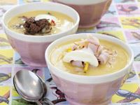 En nyttig soppa med båda fötterna i jorden. Det här är en bra grundsoppa, fullmatad med söta rotfrukter som du kan smaksätta med bacon, kyckling, kalkon, nötfärs eller det köket har hemma för tillfället. Den kan även mixas och serveras som den är, vegetariskt.