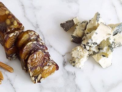 Marie Skogströms variant på på turkish delight. En smakrik terrin packad med torkade frukter och rostade fröer matchar den salta osten perfekt.
