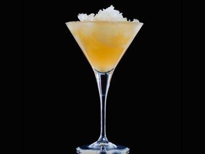 Fräsch alkoholfri drink med att härligt sting av ingefära.