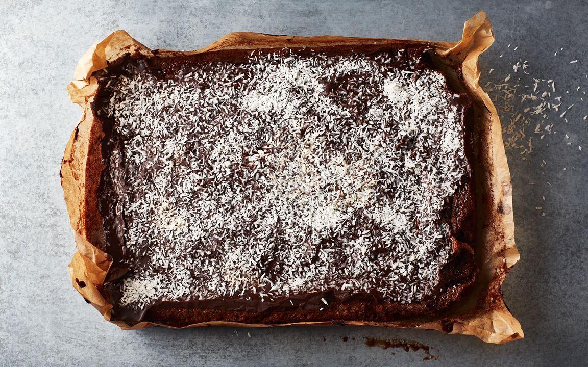 En mjuk kaka som smälter i munnen. Kraftig smak av choklad både i kakan och i glasyren.