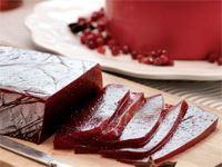 Stureosten är mild med finstämda smaker. Lingon bryter fint med sin distinkta syra och friska smak mot den salta osten.