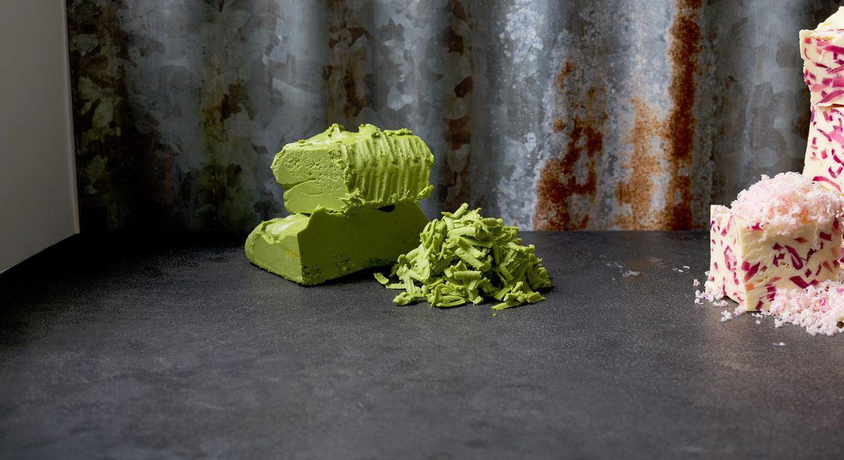 Vinnarsmöret som var med i finalen! Spenat ger den härligt gröna färgen. Grovriv över rätter med torsk, sej, lubb, forell och broccoli.