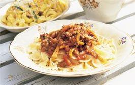vegetarisk pastarätt med parmesanost