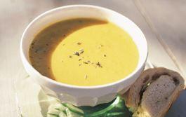 En slätmixad soppa med mycket sötma som passar barnens smaklökar. Servera gärna med nybakt bröd eller pasta.  Specialkost: Går att göra laktosfri genom att använda laktosfria produkter.
