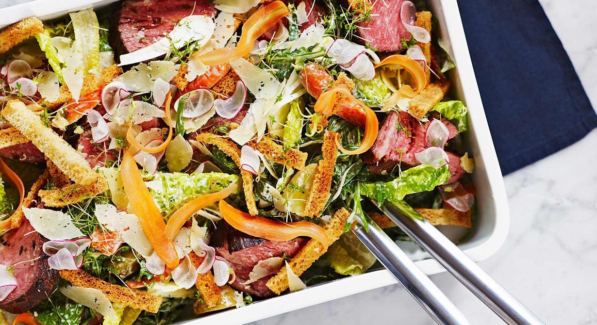 Långbakat högrevshjärta som bakas i minst tolv timmar smakar som hängmörad entrecote. Smart sätt att få billigt kött och bra ekonomi i det man gör.