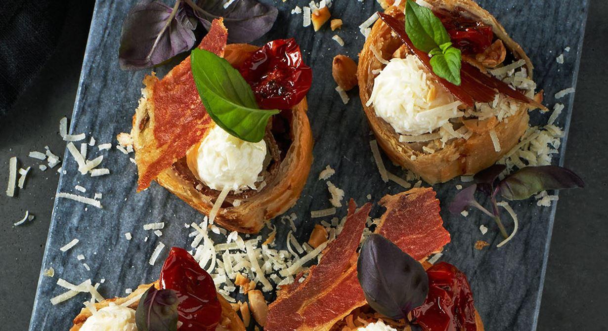 Härliga italienska smaker när de är som bäst. Ostens tydliga sälta och ton av umami blir en krydda som även förstärker smaken i crémen.