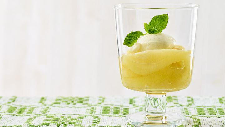 Päronkompott med vaniljkvarg