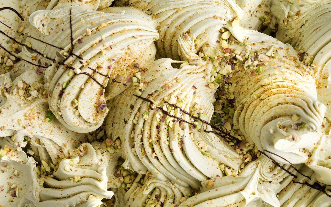 Italiensk nötpasta rekommenderas för att ge en maximal smakupplevelse. Den bästa pistagepastan kommer från staden Bronte på Sicilien.