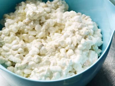 Cottage cheese får en helt ny, spännande smak när den röks i en aburök.