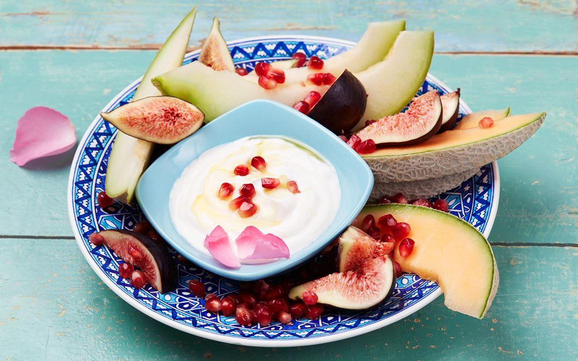 En spännande dipp med rosenvatten, som passar utmärkt ihop med honung och turkisk yoghurt.