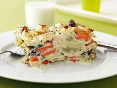 En smakrik och saftig lasagne med skivade och tärnade rotfrukter. Vi lagar den även på rotfruktsmos ibland.