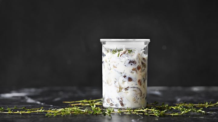 Svampsill i yoghurtsås