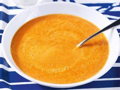 Mustig soppa med mycket tomatsmak. Linserna ger protein och reder soppan, sockret rundar av tomatsmaken.