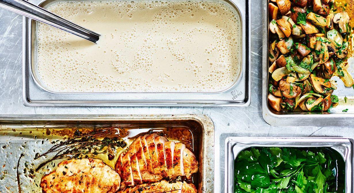Veloute är en viktig grundsås när man lagar mat till många. Receptet har låg råvarukostnad och kan varieras för att passa många olika rätter.